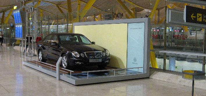 Promoción Expositor Vehículo en Aeropuerto de Madrid T4